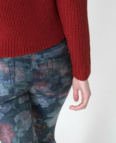 Image 6 of FLORAL FITTED TROUSERS from Zara