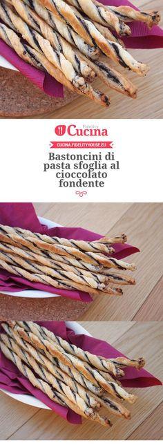 Bastoncini di pasta sfoglia al #cioccolato fondente Sweets Cake, Cookie Desserts, Dessert Recipes, Biscotti Cookies, I Love Chocolate, Italian Desserts, Dough Recipe, I Love Food, Finger Foods