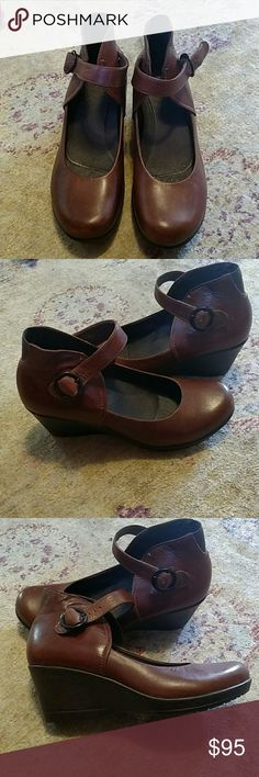 Brown leather mary jane Dansko size 40 Euro Excellent condition, worn once Dansko Shoes Wedges