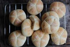 Mis recetas favoritas: Panecillos Broetchen Bread Machine Recipes, Bread Recipes, Cheese Puffs, Panera Bread, Bread And Pastries, Bread Rolls, Bread Baking, My Recipes, Hamburger