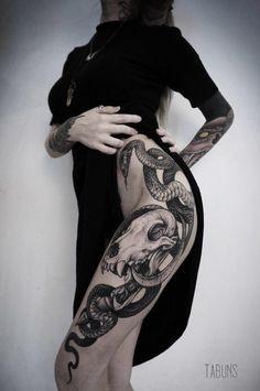 ideas for tattoo dragon girl inspiration Hot Tattoos, Trendy Tattoos, Body Art Tattoos, Tattoos For Women, Sleeve Tattoos, Woman Body Tattoo, Tattoo Girls, Girl Tattoos, Tatoos