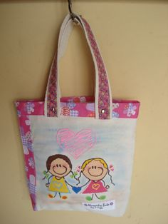 https://flic.kr/p/bo91A2 | Tote Bag - Bolsa 0003 - D | Tote bag confeccionada em Lona e forrada com tecido 100% algodão . Pintada.  Medidas: 26x27x5 cm