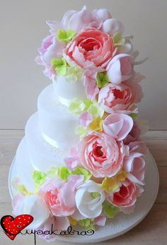 https://www.facebook.com/Ciupakabra.cakes/photos/a.151635968198932.26296.138658532830009/1063155923713594/?type=3