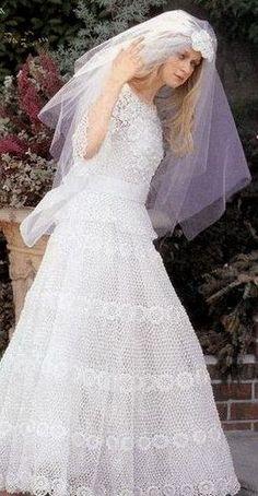 ******************************                  ****************************** Novia model... Crochet Wedding Dresses, Top Wedding Dresses, Wedding Gowns, Prom Dresses, Crochet Dresses, Irish Crochet, Crochet Top, Madona, Irish Lace