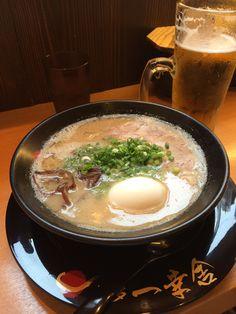 一幸舎@中洲 (Ikko-sha)  One of the famous&delicious ramen in Hakata.