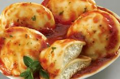 Easy Cheese Ravioli From Recipezaar and Easy Cheese Ravioli Recipes. Cheap Easy Meals, Quick Easy Meals, Jewish Recipes, Italian Recipes, Mozzarella, Cheese Ravioli, Lobster Ravioli, Lobster Meat, Easy Cheese
