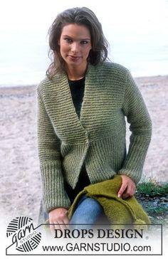 Ravelry: Cardigan in Silke-Tweed and Vivaldi pattern by DROPS design Knitting Patterns Free, Knit Patterns, Free Knitting, Free Pattern, Crochet Buttons, Knit Crochet, Drops Design, Knit Vest Pattern, Felt Purse