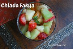 Chlada Fakya (Algerian Fruit Medley)|handfulofjoy.com Algerian Food, Algerian Recipes, Vegan Gluten Free, Vegan Vegetarian, Bite Size, Ethnic, Deserts, Banana, Apple