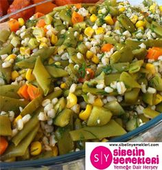 Fresh beans for salad and more beans # Tazefasulyesalata of Diet Recipes, Cooking Recipes, Healthy Recipes, Turkish Recipes, Ethnic Recipes, Good Food, Yummy Food, Mac And Cheese, Salads