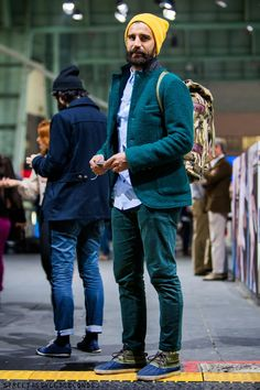 Yellow beanie and green suite, guys winter fashion || Streetstyle Inspiration for Men! #WORMLAND Men's Fashion