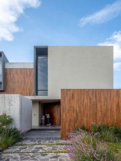 Interior Design Images, Interior Design Boards, Facade Architecture, Residential Architecture, Devon House, Modern Fence Design, Modern Entrance, Townhouse Designs, Building Images