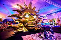Em Uma Festa Tema Tomorrowland Não Poderia Faltar Uma Pista de Dança Animada e Na Festa da Lu Teve de Sobra! A Decoração Cenográfica Também Arrasou. Clica!