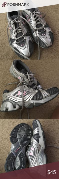 Under Armour Tennis Shoe Under Armour tennis shoes. Lightly worn. Just are too small. Worn only a few times. Stilly ace a lot of wear left! Super comfortable. Under Armour Shoes Sneakers