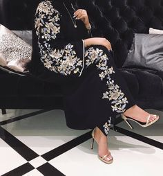 Shared by Find images and videos about aesthetic, modest and abaya on We Heart It - the app to get lost in what you love. Modern Abaya, Modern Hijab Fashion, Modesty Fashion, Hijab Fashion Inspiration, Iranian Women Fashion, Arab Fashion, Islamic Fashion, Muslim Fashion, Abaya Dubai