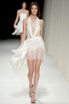 Nina Ricci Spring 2014 RTW - Runway Photos - Fashion Week - Runway, Fashion Shows and Collections - Vogue