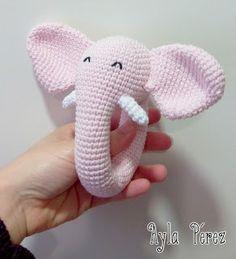 Sonajero elefante en amigurumi