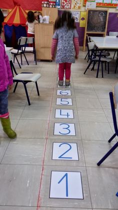 Learning numbers, math for kids, math classroom, kindergarten math, teachin Montessori Activities, Kindergarten Activities, Learning Activities, Preschool Activities, Education Quotes For Teachers, Education College, Elementary Education, Grande Section, Love Math