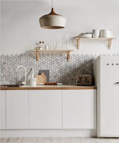 Scandinavian kitchen decor belongs to the most perfect decorations for a modern kitchen. We have a collection of Scandinavia kitchen decor ideas to consider. Home Decor Kitchen, Kitchen Furniture, Home Kitchens, Country Kitchen, Colonial Kitchen, Condo Kitchen, Apartment Kitchen, Furniture Stores, Scandinavian Interior Design