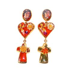View this item and discover similar for sale at - Beautiful and unusual Christian Lacroix asymmetric long dangle earrings for a Haute Couture Runway show, made of translucent and gilded resin encasing Christian Lacroix, Heart Earrings, Dangle Earrings, Antique Jewelry, Vintage Jewelry, Family Jewels, Mode Vintage, Jewelry Accessories, Jewelry Art