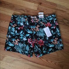 NWT SO Floral Printed Shorts 11 NWT. Size 11. Price is firm unless bundled. Due to current personal circumstances, I only ship once a week. SO Shorts