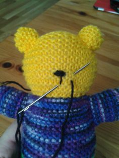 I have introduced you to the Mother Bear Project before. It's a cause close to my heart and I regularly contribute by making bears. This is a brief description from their website of what they… Anatomy of a Mother Bear Emmili EmmiliGR Puppen, Stoff- Knitting Bear, Teddy Bear Knitting Pattern, Knitted Doll Patterns, Animal Knitting Patterns, Knitted Teddy Bear, Knitted Dolls, Loom Knitting, Knitting For Charity, How To Start Knitting