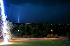 Une photo impressionnante qui devrait ravir les chasseurs d'orages :)