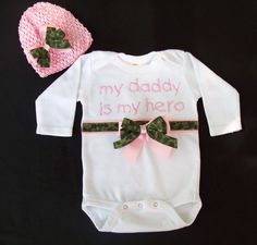 My Daddy is My Hero - Baby Onesie Gift Set - Short or Long Sleeve - Onesie and Waffle/Crochet Hat - Pink and Camouflage - Army Baby
