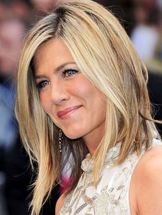 This is one of my fave pics of Jen - I really like the color and cut.
