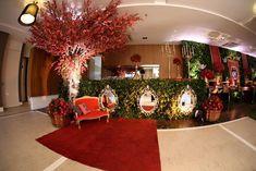BRANCA DE NEVE - ANTES DA FESTA Snow White Birthday, New Years Eve Party, Christmas Tree, Table Decorations, Holiday Decor, Cata, Birthday Parties, Glamour, Babies