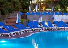 Looking for a relaxing and fun family resort in Tenerife? Choose from self catering holiday apartments, fabulous resorts with kid's clubs and cheap accommodations! Family Resorts, Hotels And Resorts, Cheap Accommodation, Travel 2017, Holiday Apartments, Tenerife, Family Travel, Outdoor Decor, Fun