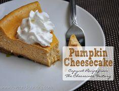 Pumpkin cheesecake... this looks so good!!