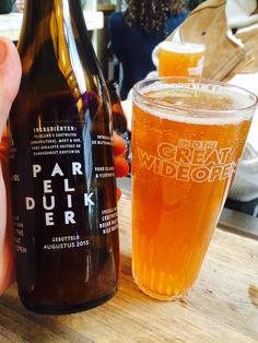 Perelduiker, bier met oester! Uit Vlieland Ziltig, en lekkerder met meer. Gedronken op itgwo 2015