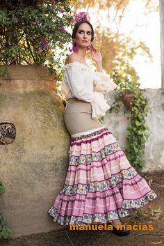 Colección de trajes de flamenca 2015 - Manuela Macías Moda Flamenca Costume, Nice Dresses, Lace Skirt, Feminine, Skirts, Ethnic, Clothes, Beauty, Fashion