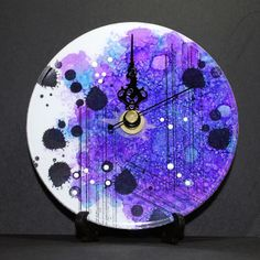 Eileen's Crafty Zone: Alcohol Inks plus a Copic Air Brushing System ..... make a colourful clock.