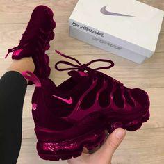 Women shoes For Work High Heels - - Women shoes Adidas Sneakers - Nike Air Shoes, Nike Air Max, Nike Shoe, Cute Sneakers, Sneakers Nike, Sneakers Workout, Sneakers Fashion, Fashion Shoes, Fashion Fashion