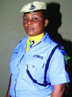 Welcome to NewsDirect411: Nigeria Female Police Officer Disarmed Robbers.