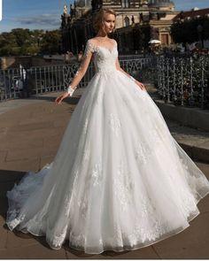 901f673082ce0 Uzun Gelinlikler, Hayalimdeki Düğün, Nişan, Kıyafet, Çift, Gelinlikler,  Gelin Saç