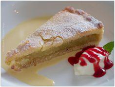 Best ever Bramley apple pie at Borrodell Vineyard photo by Liz Posmyk Good Things