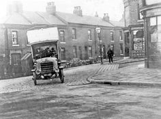 Daimler motor bus No. 6, crossing Heeley Green into Gleadless Road from Richards Road, (in service 1913-1923). Date 1913