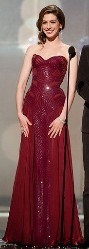 Do you believe in love at first sight? I do, now I've seen this dress. (anne hathaway in atelier versace)