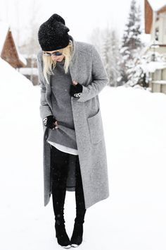 Street Style January 2015: Jacey Duprie is wearing a grey sweater dress from Brochu Walker