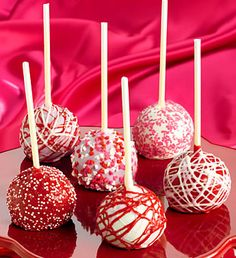10 Valentine's Day Food and Treats - Valentine's Day Decadent Truffle Cake Pops #valentines