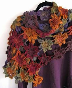 ideas crochet shawl flower ponchos for 2019 Shawl Crochet, Crochet Shawls And Wraps, Crochet Fall, Freeform Crochet, Crochet Scarves, Crochet Motif, Easy Crochet, Crochet Clothes, Crochet Stitches