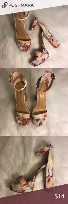 0601b6cfdfb 🚨SOLD on Depop🚨 Floral heels. Floral platform heels. Super cute and  perfect