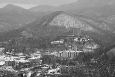 Smoky Mountain Winter! Photo credit: Jason Ballard #kimhestertn #smokies #realtor #realestate #tennessee #smokymountain #winter #snow