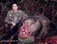 Biggest grizzly bear ever killed. Had remains of at least 3 different people found inside him! Funny Emails, Predator Hunting, Bear Hunting, Weird Creatures, Large Animals, World Records, Animals Beautiful, Beautiful Creatures, Bears