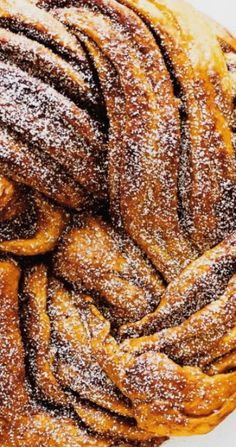 Pumpkin Brown Sugar Babka - a sweet fall treat! Babka Cake, Babka Bread, Pastry Recipes, Baking Recipes, Pumpkin Recipes, Fall Recipes, Cinnamon Babka, Babka Recipe, British Baking