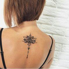 Small back tattoos, back tattoo women, tattoos for women, lot Lotusblume Tattoo, Unalome Tattoo, Cover Tattoo, Piercing Tattoo, Piercings, Hand Tattoo, Small Back Tattoos, Back Of Neck Tattoo, Cute Tattoos On Back