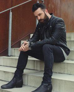 beards carefully curated Leather Jeans Men, Leather Jackets, Best Beard Styles, Beard Model, Beard Tattoo, Bearded Men, Mustache, Man, Mens Fashion
