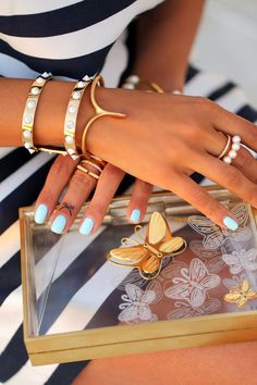 Street Chic Daily – Editor's Style – Fashion Style Magazine - Page 6 Plexiglass, Viva Luxury, Colette, Indie Fashion, Fashion Blogs, Uk Fashion, Style Fashion, Arm Party, I Love Jewelry